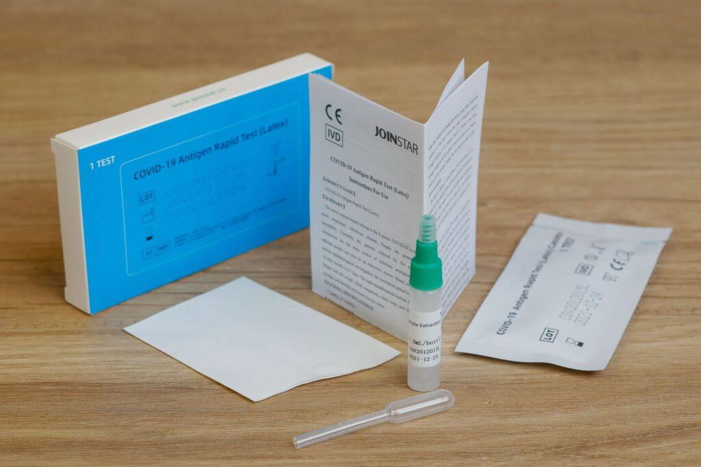 Nieuw in de collectie Covid preventieartikelen: de Joinstar Speekseltest (met CE/TUV)!